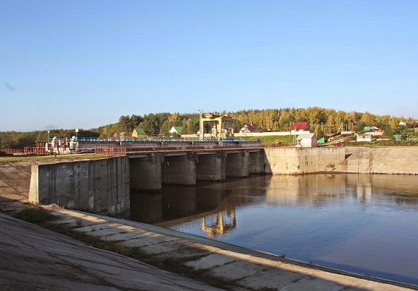 Плотина Токмовского гидроузла